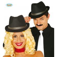 Čierny klobúk so stuhou