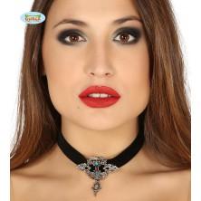 Čierny náhrdelník s brošňou