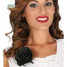 Ozdobná čierna ruža s klipom
