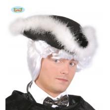 Třírohý klobúk s labutienkou