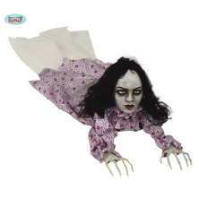 Plaziaci sa zombie žena